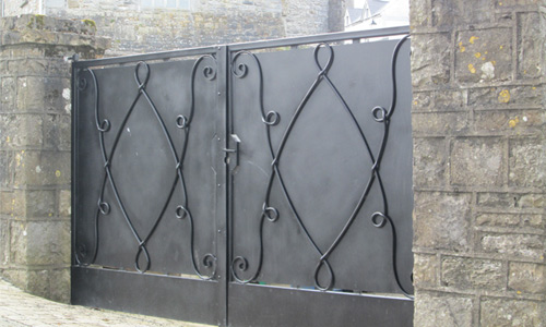 logo-john-hogan-hand-forged-ironword-georgian-art-nouveau-gates-blacksmith-mayo-ireland-gates-header2