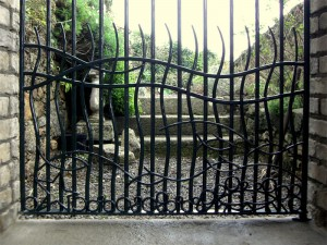 john-hogan-hand-forged-ironwork-georgian-art-nouveau-gates-blacksmith-mayo-ireland-gates-2-1